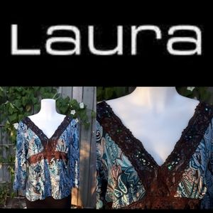 Laura flowy quarter sleeve Paisley lace top
